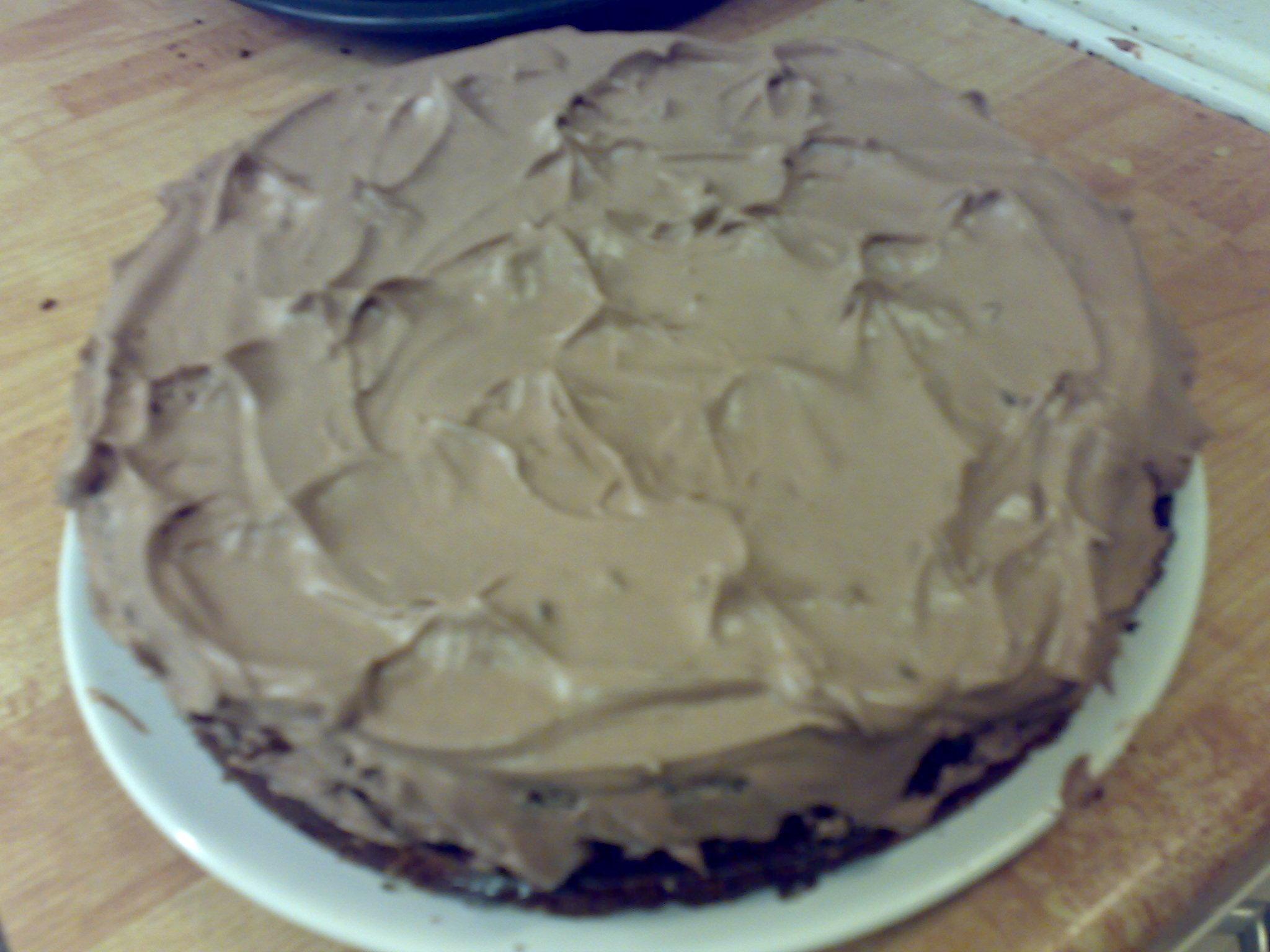 Chokladig kladdtårta med crisp