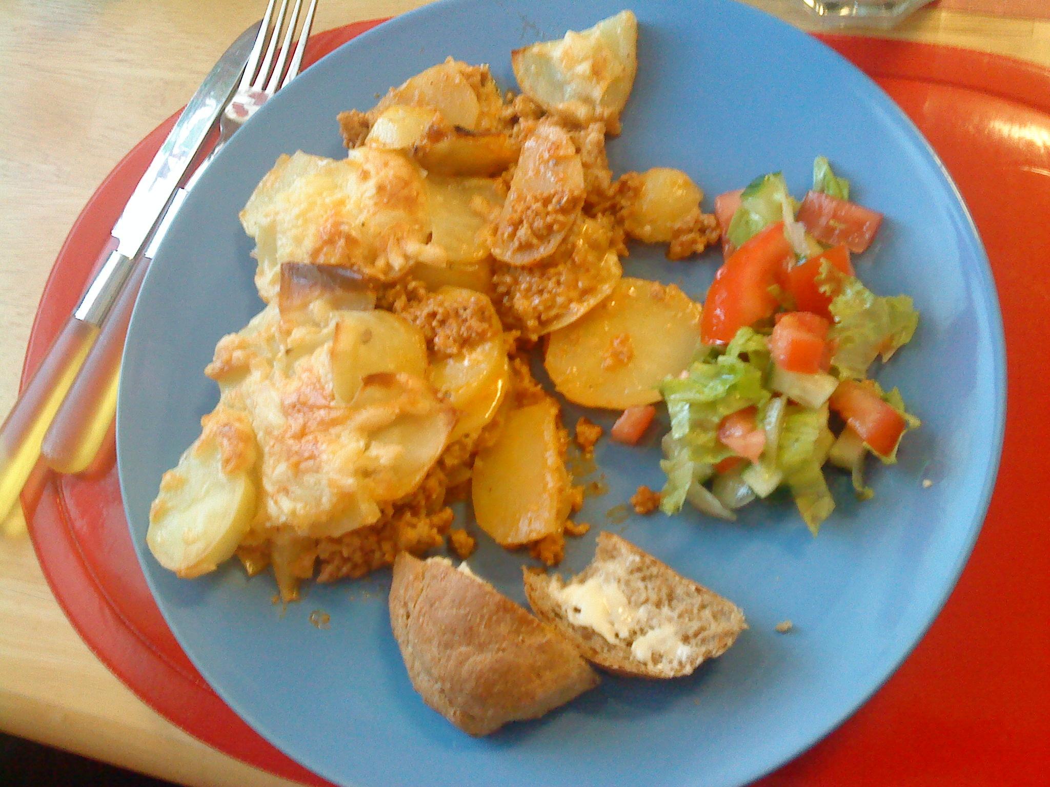 Enkel potatis- och köttfärsgratäng