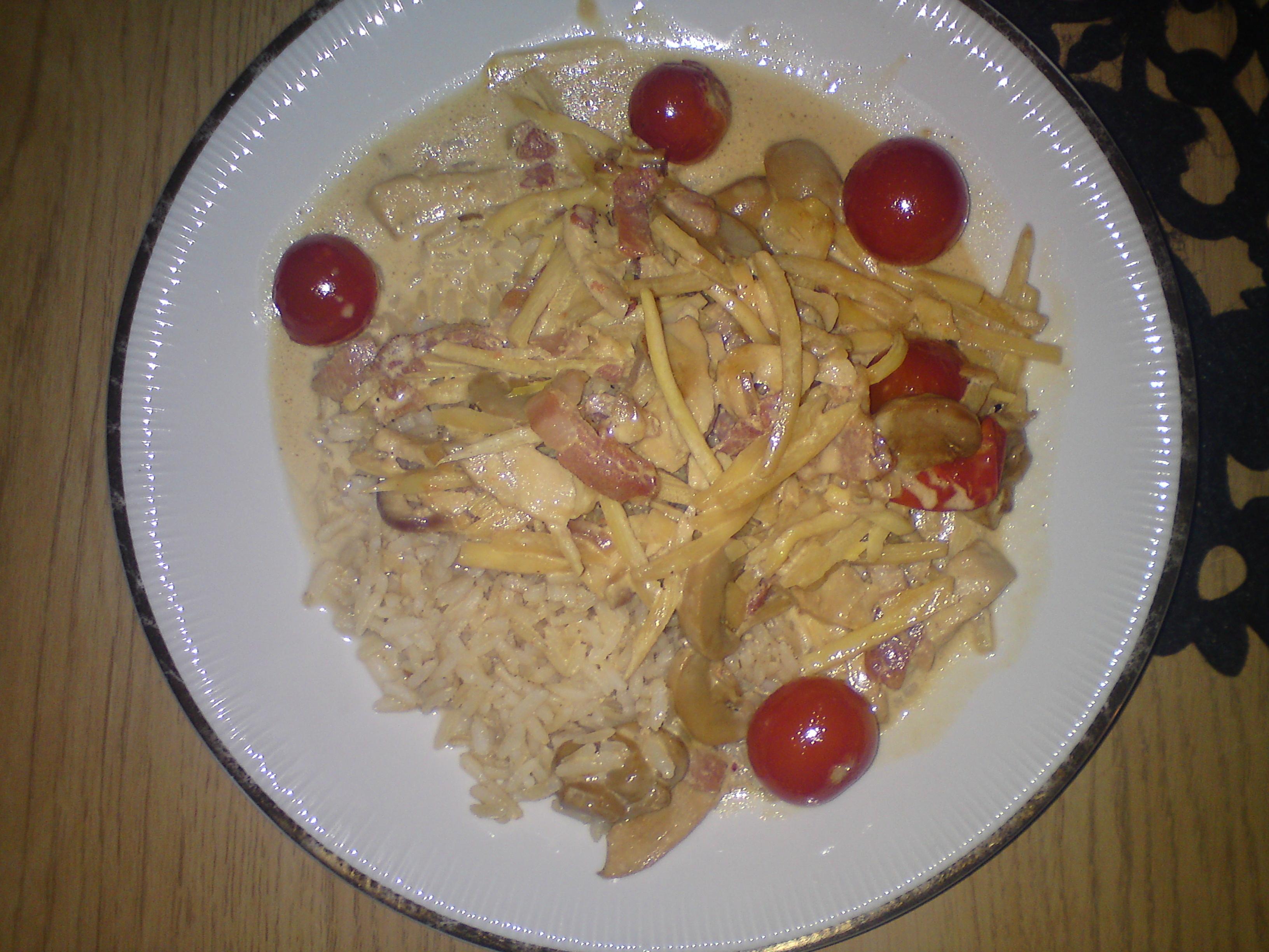 Kyckling med bacon och bambuskott