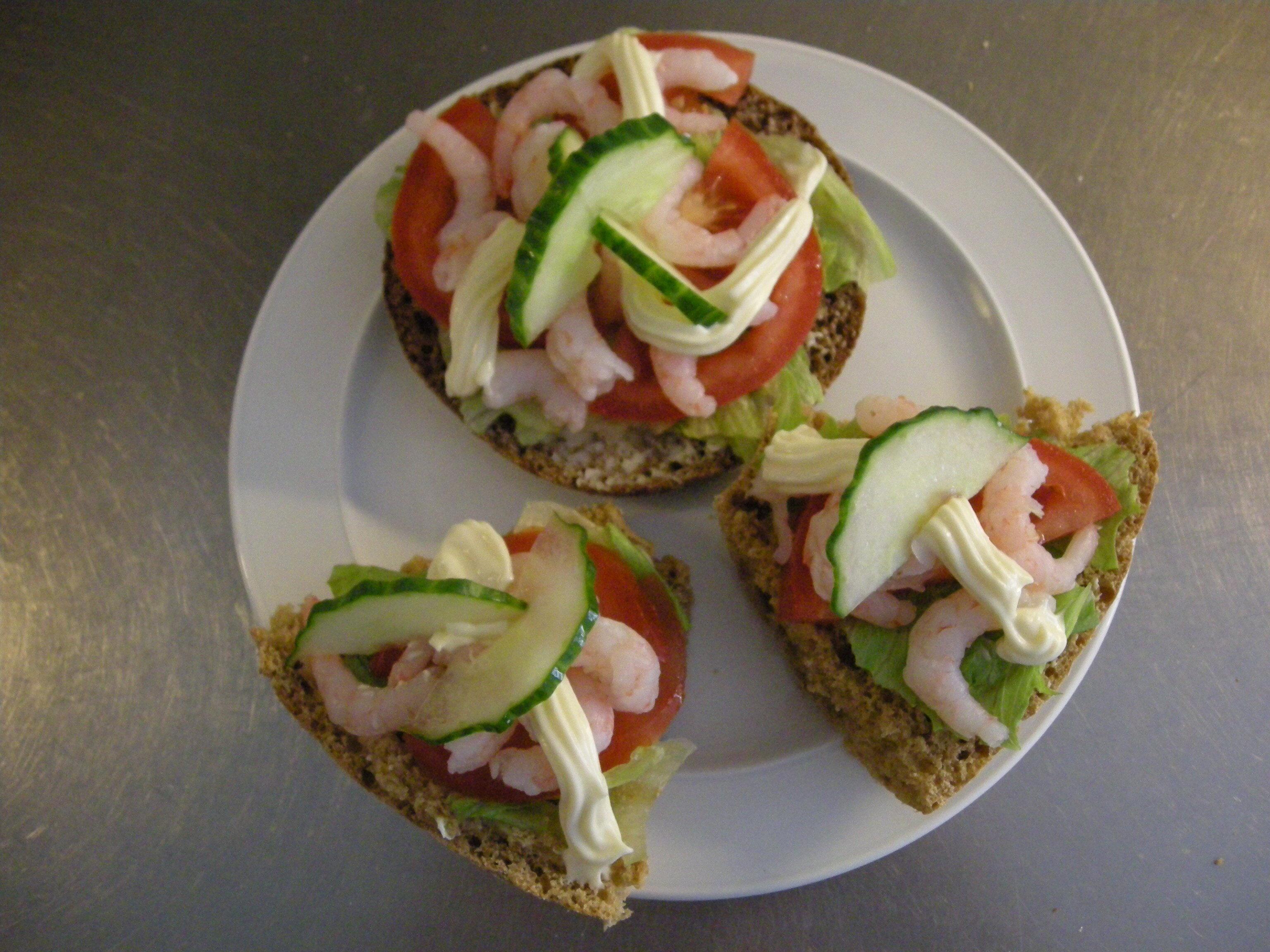 förrätt räksmörgås