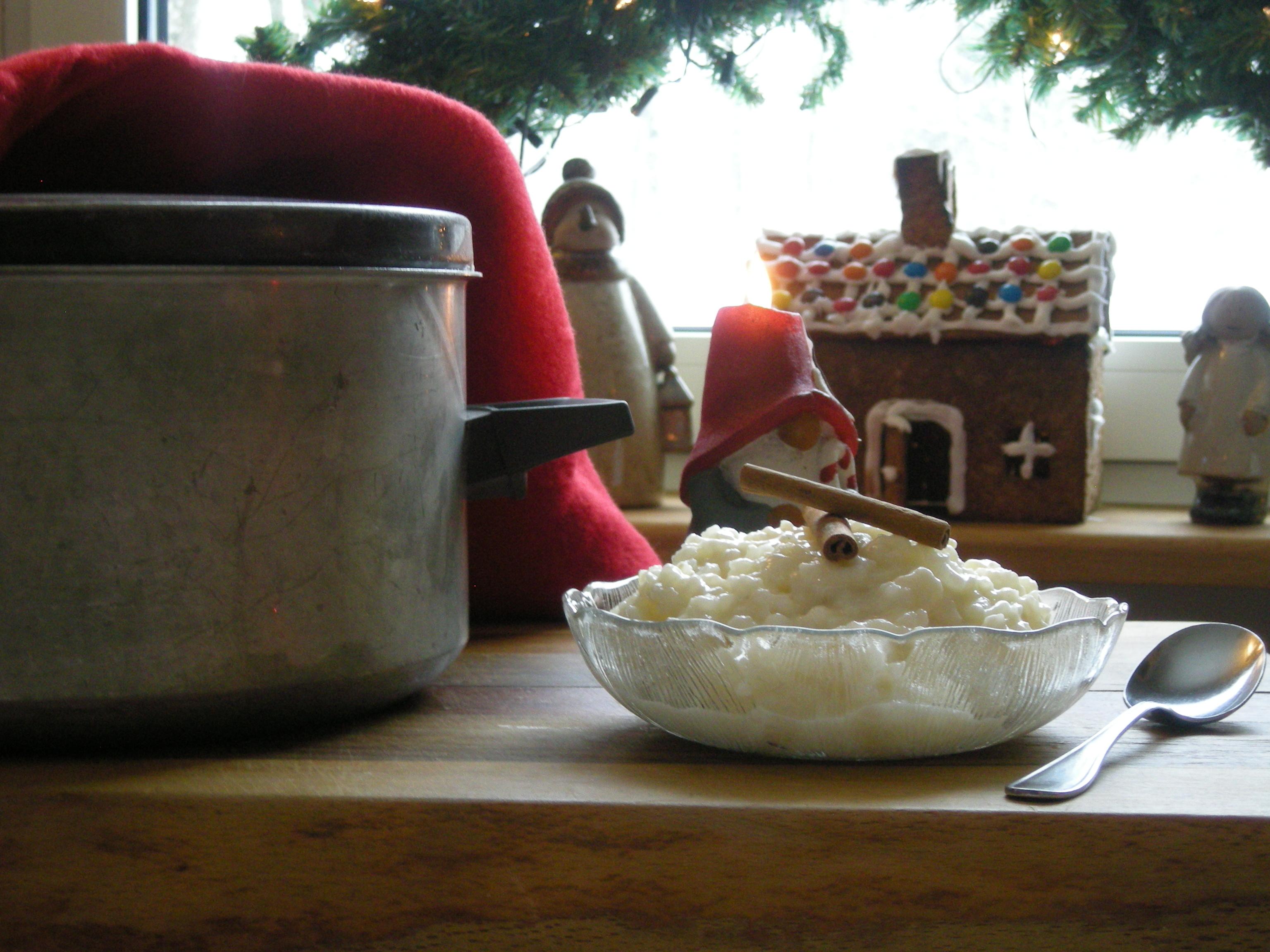 Mammas risgrynsgröt, kokt på skärbräda