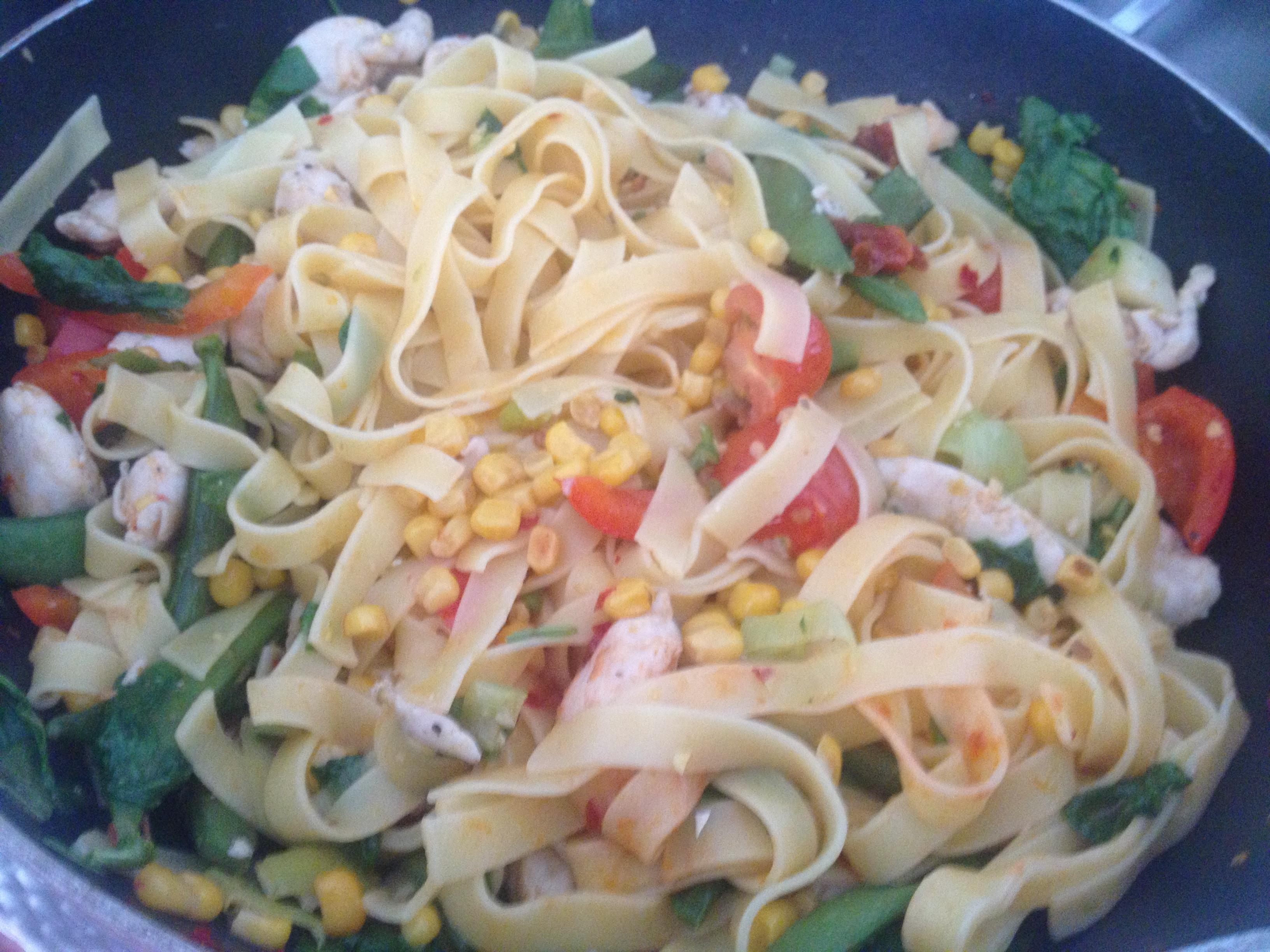 Vitlökskyckling med pasta
