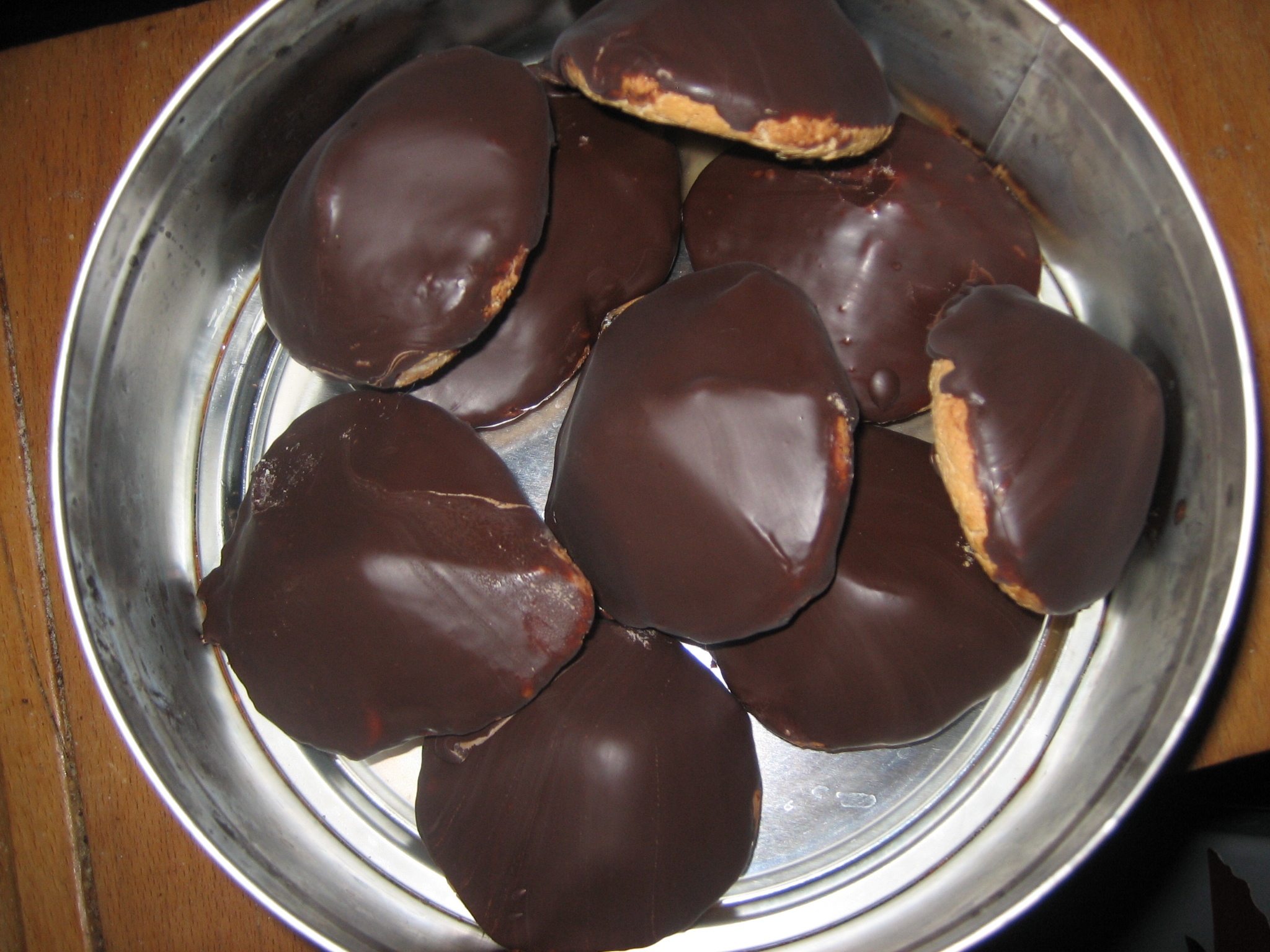biskvier med mandelmassa