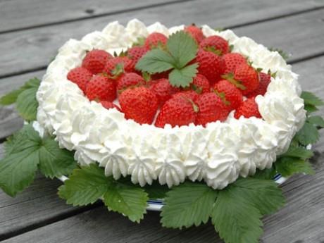 festtårta jordgubbar