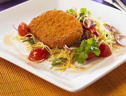 Falafel med tomat- och fetaostsallad, myntasås och bulgur eller pitabröd
