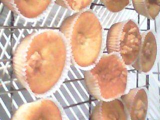 Vanilj och marsipan cupcakes med choklad& apelsin frosting