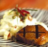 Honungs- och chilimarinerad fläskfilé med potatissallad