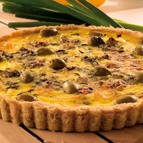 Paj med ost och oliver