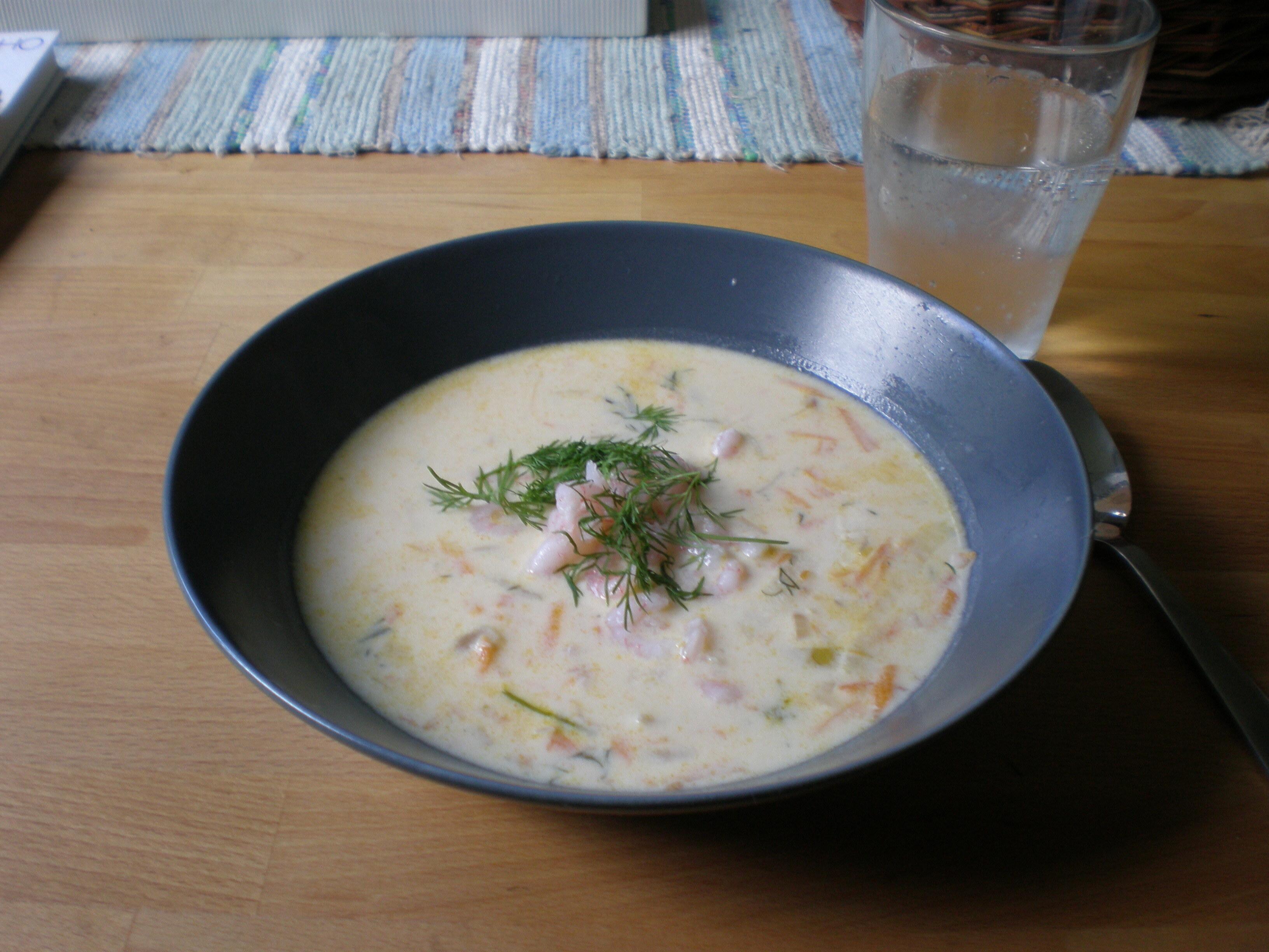 Morotssoppa med räkor