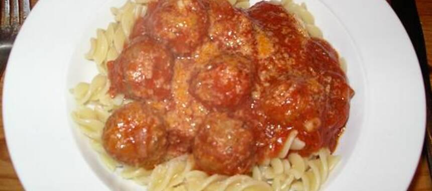 frikadeller i tomatsås