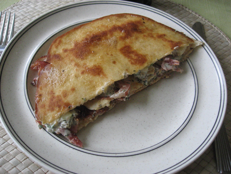 Dubbla tortillabröd med baconfyllning