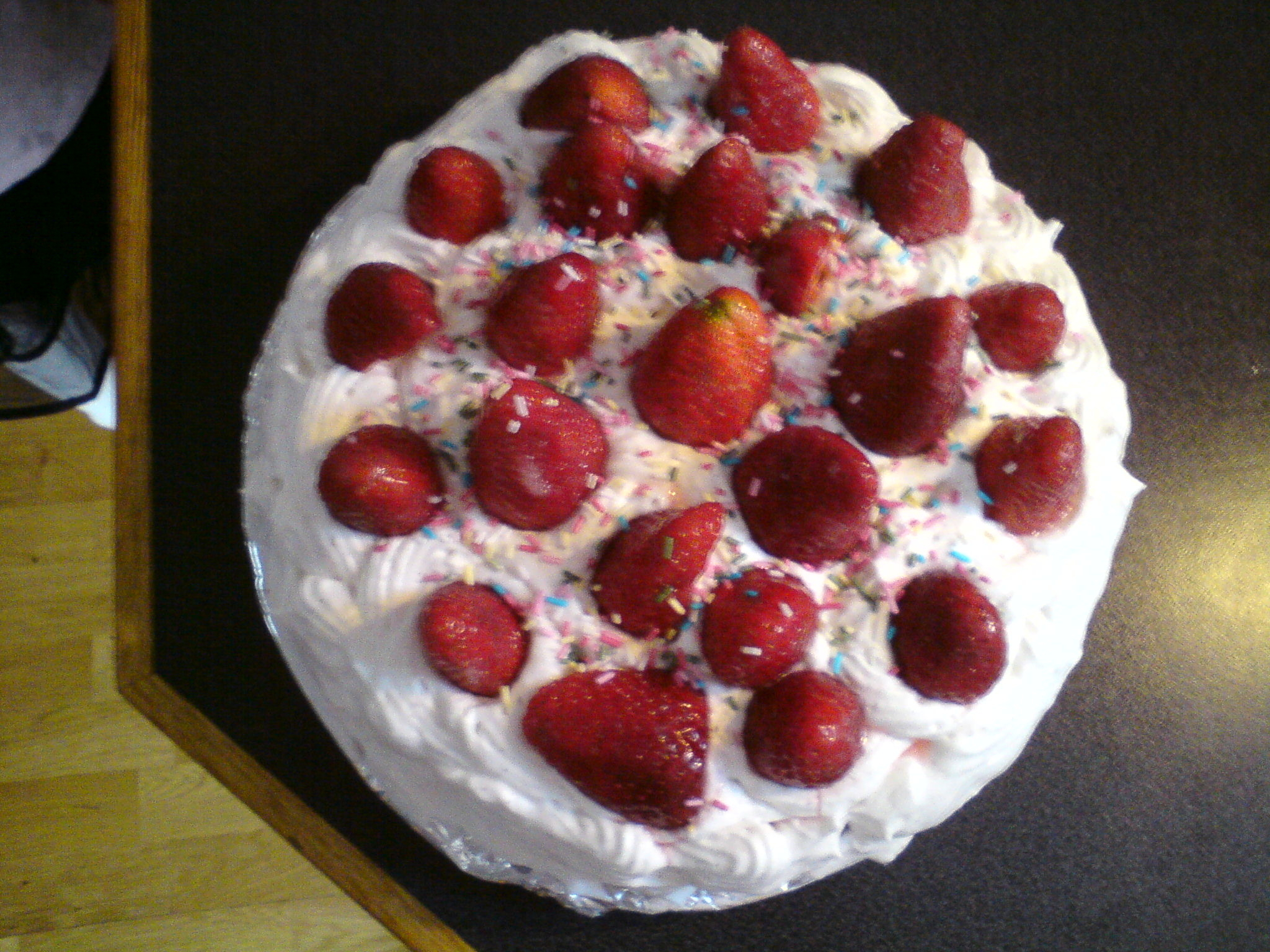 mjölkfri jordgubbstårta