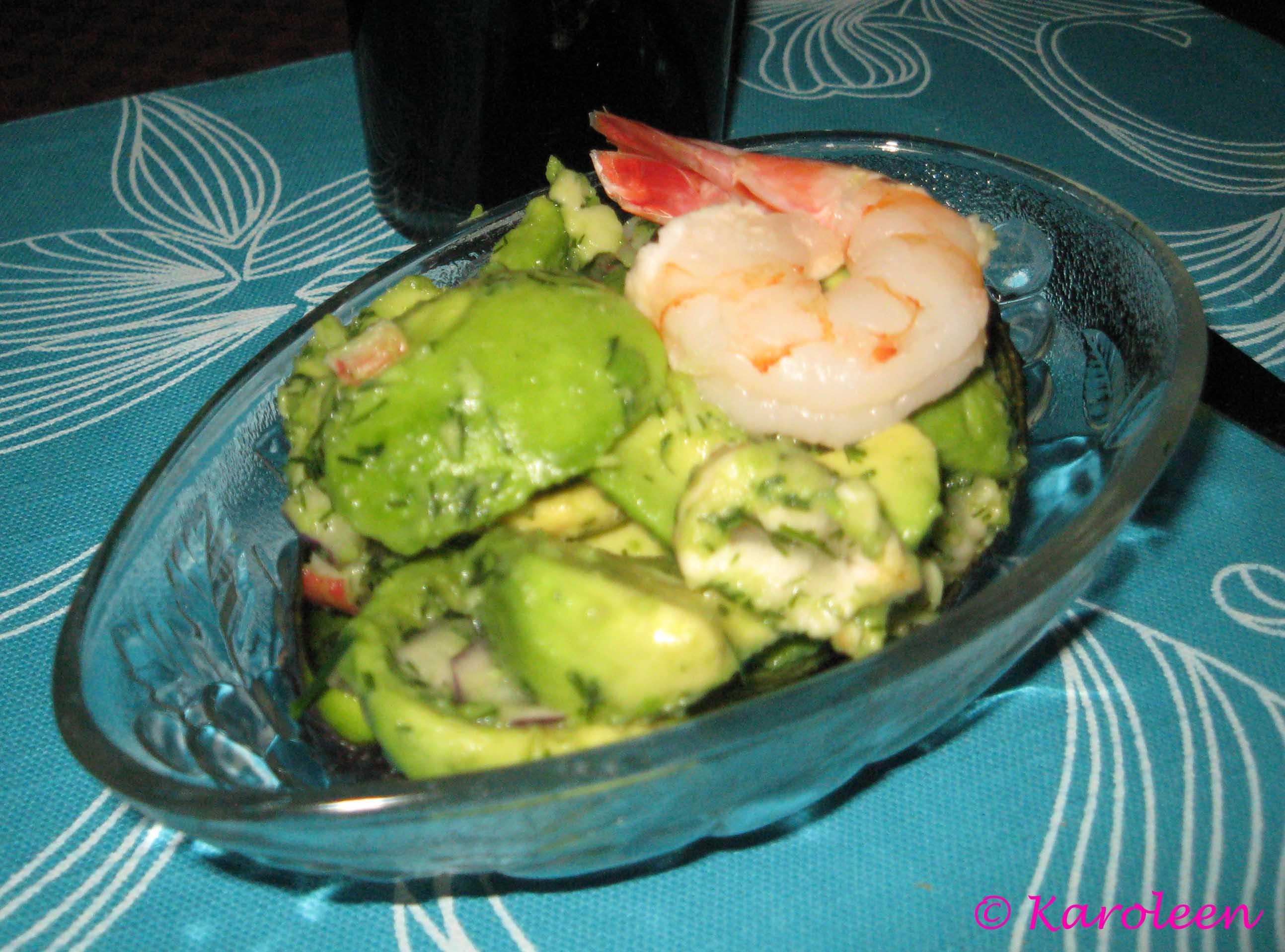 En smalare variant på avokado med skagenröra