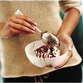 Jordgubbsglass med chokladrippel