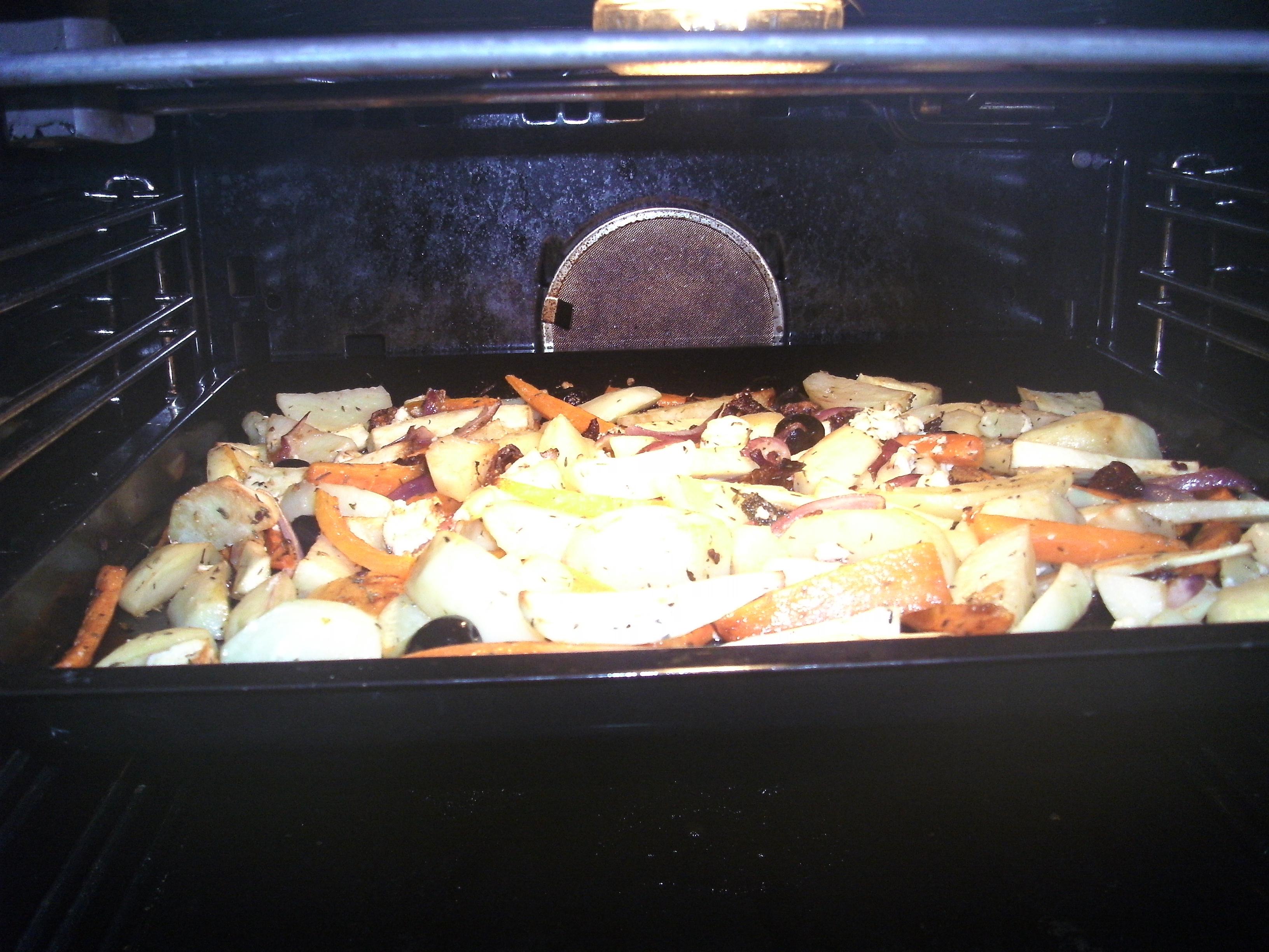 ugn kyckling med soltorkade tomater och fetaost