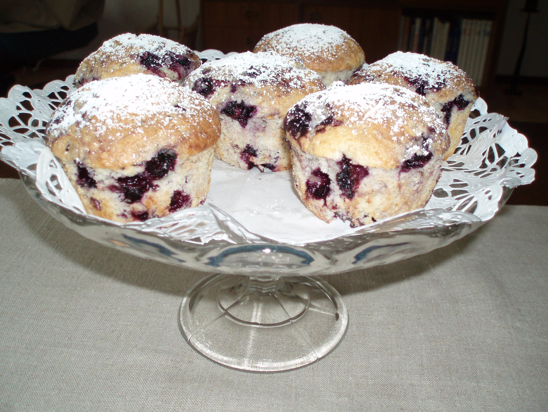 stora saftiga blåbärsmuffins