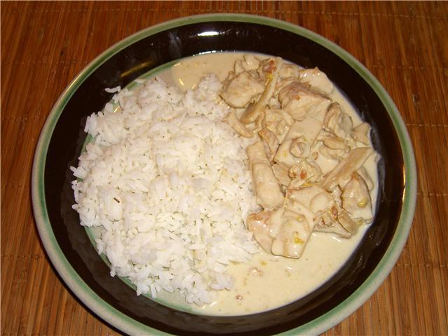 Thaigryta med kyckling eller biff och gröncurry