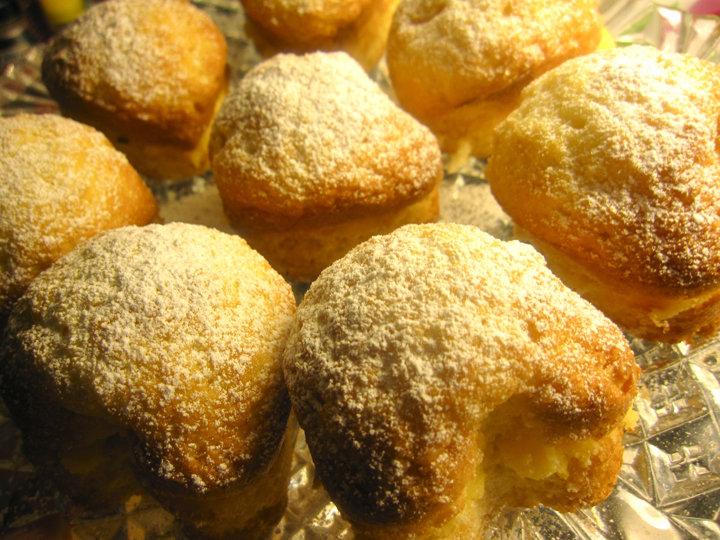 Fluffiga muffins med citronkräm