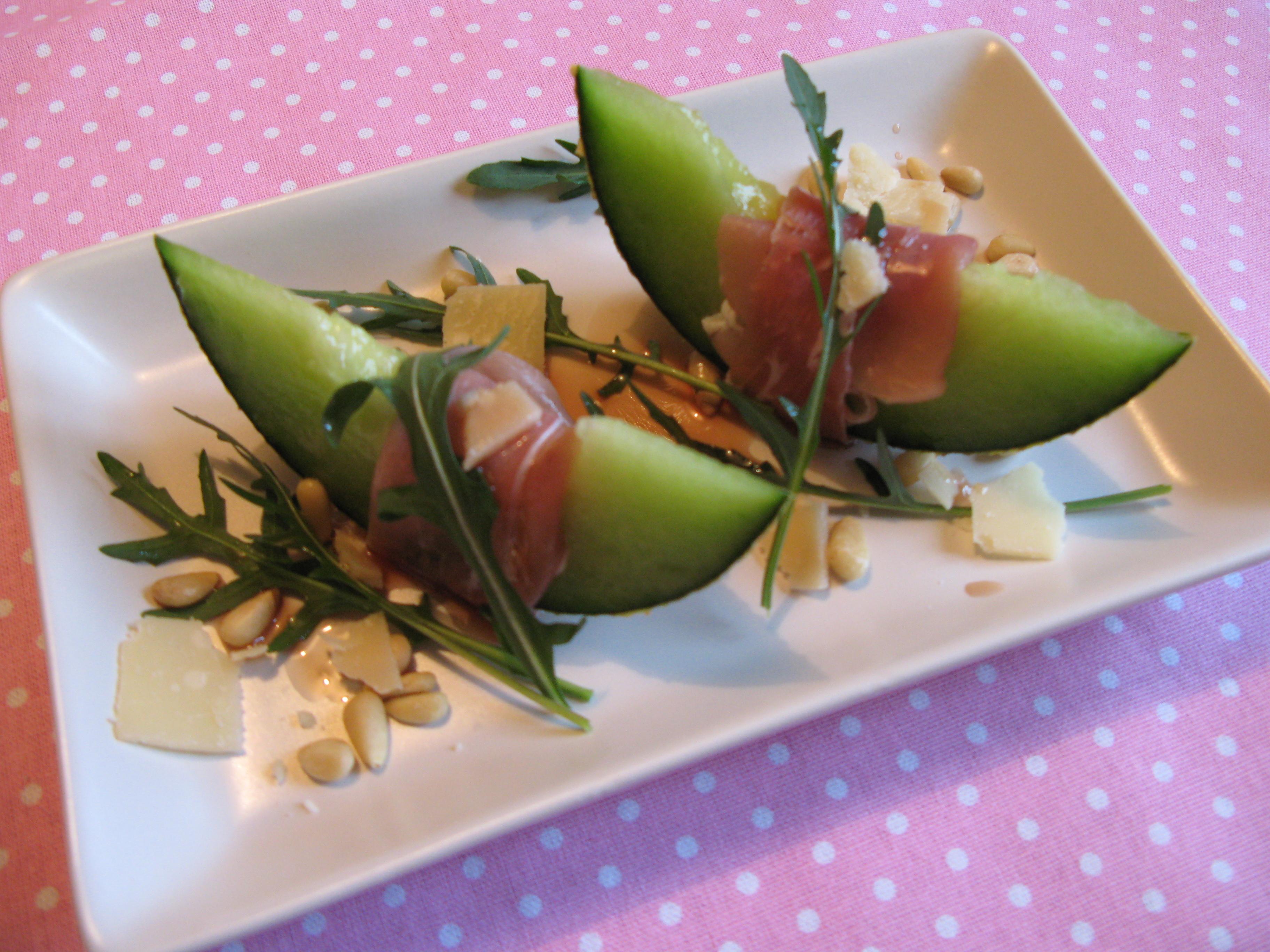 Melonbåtar med skinka