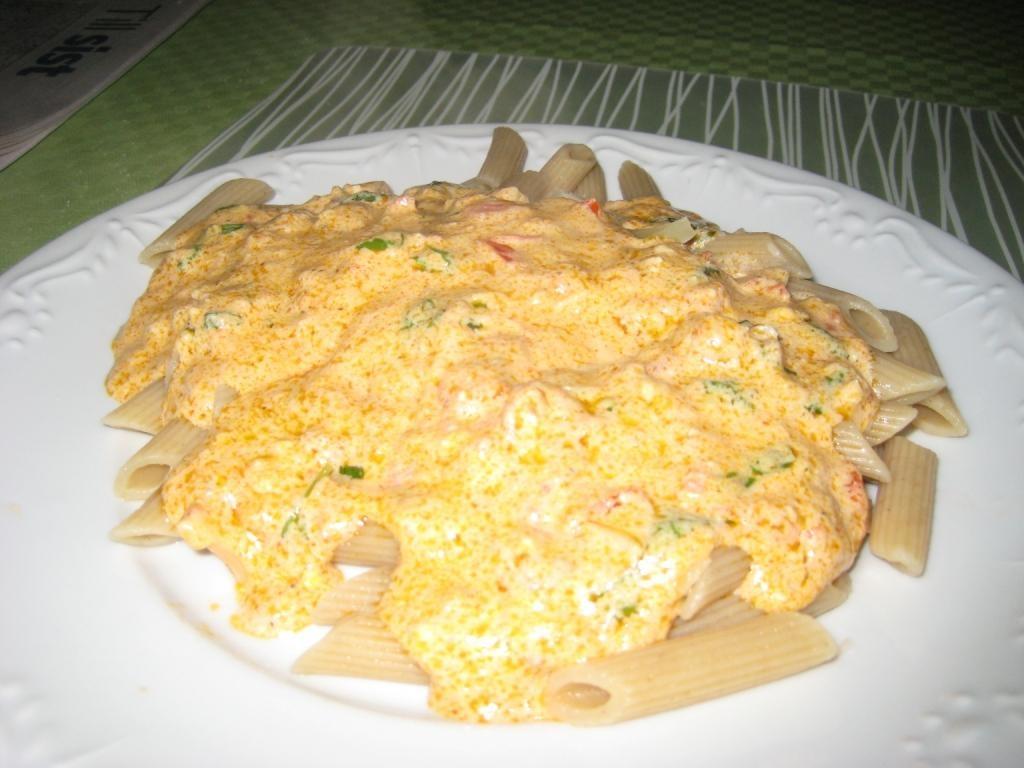 tomatbaserad pastasås