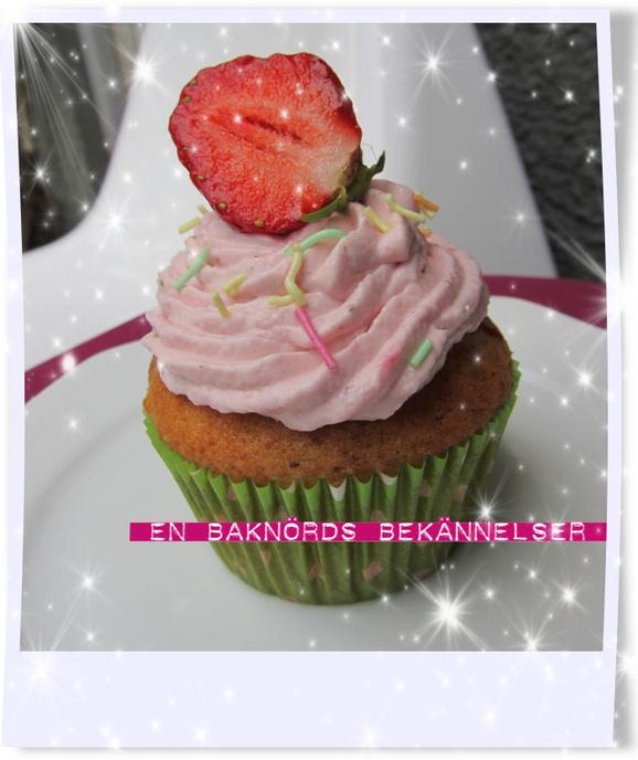 Jordgubb & rabarber cupcakes