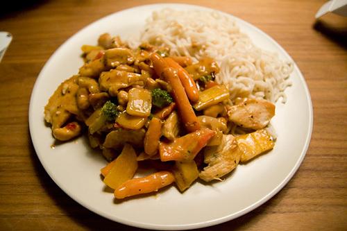 kyckling wokgrönsaker soja nudlar sweet chili