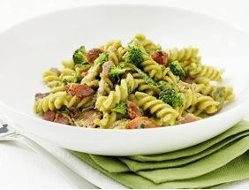 pasta kyckling broccolisås