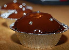 Saffransmuffins med citrus och mörk choklad