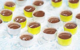 ljus chokladpralin med vaniljtryffel