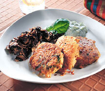 Grönsaksbiffar med svamp och tzatsiki