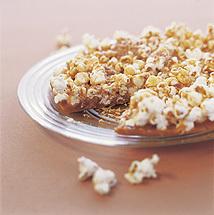 Krispig kokos- och popcornpaj