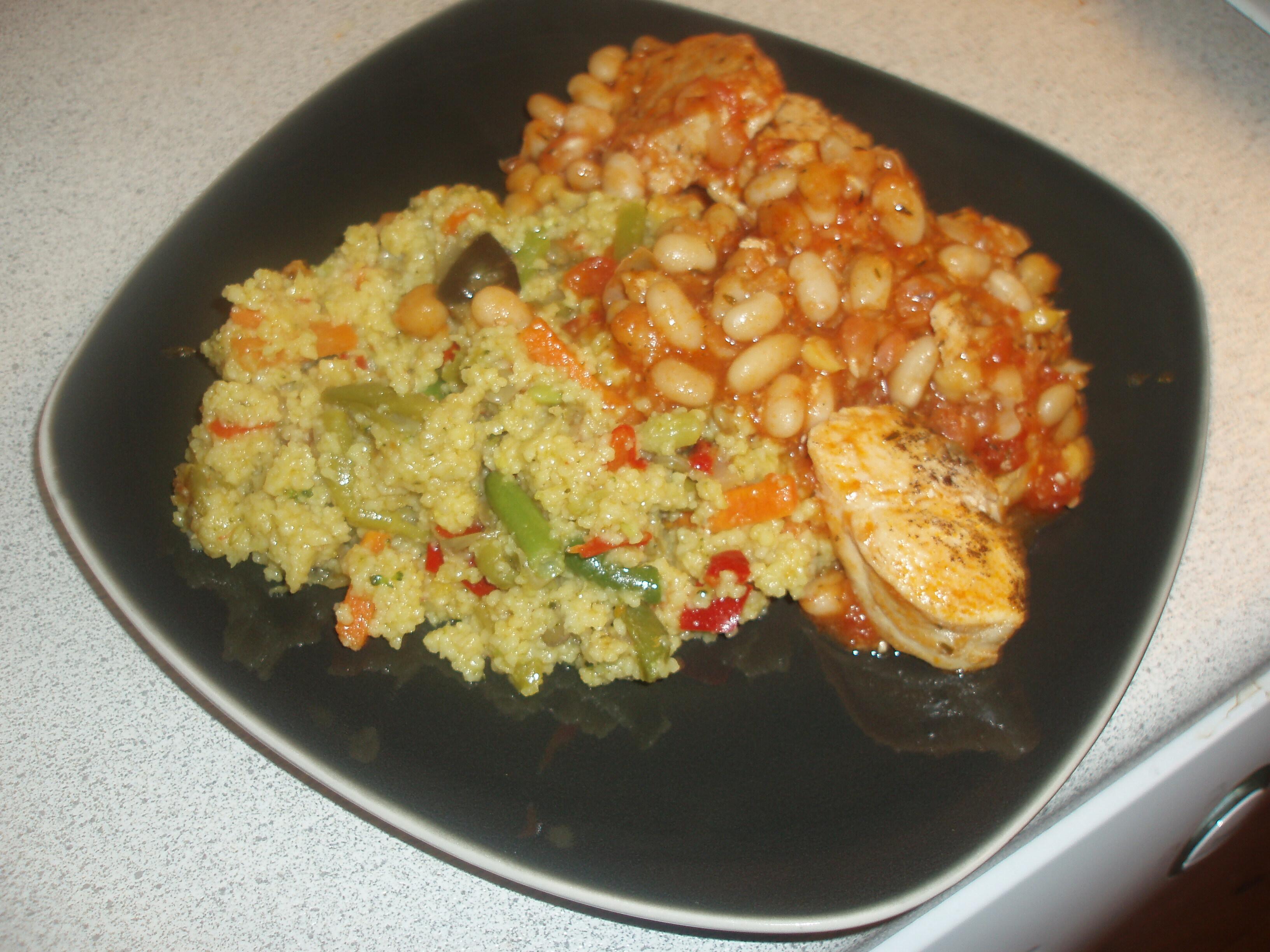 Kyckling med couscous, vita bönor och wokgrönsaker