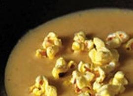 ostsoppa med popcorn