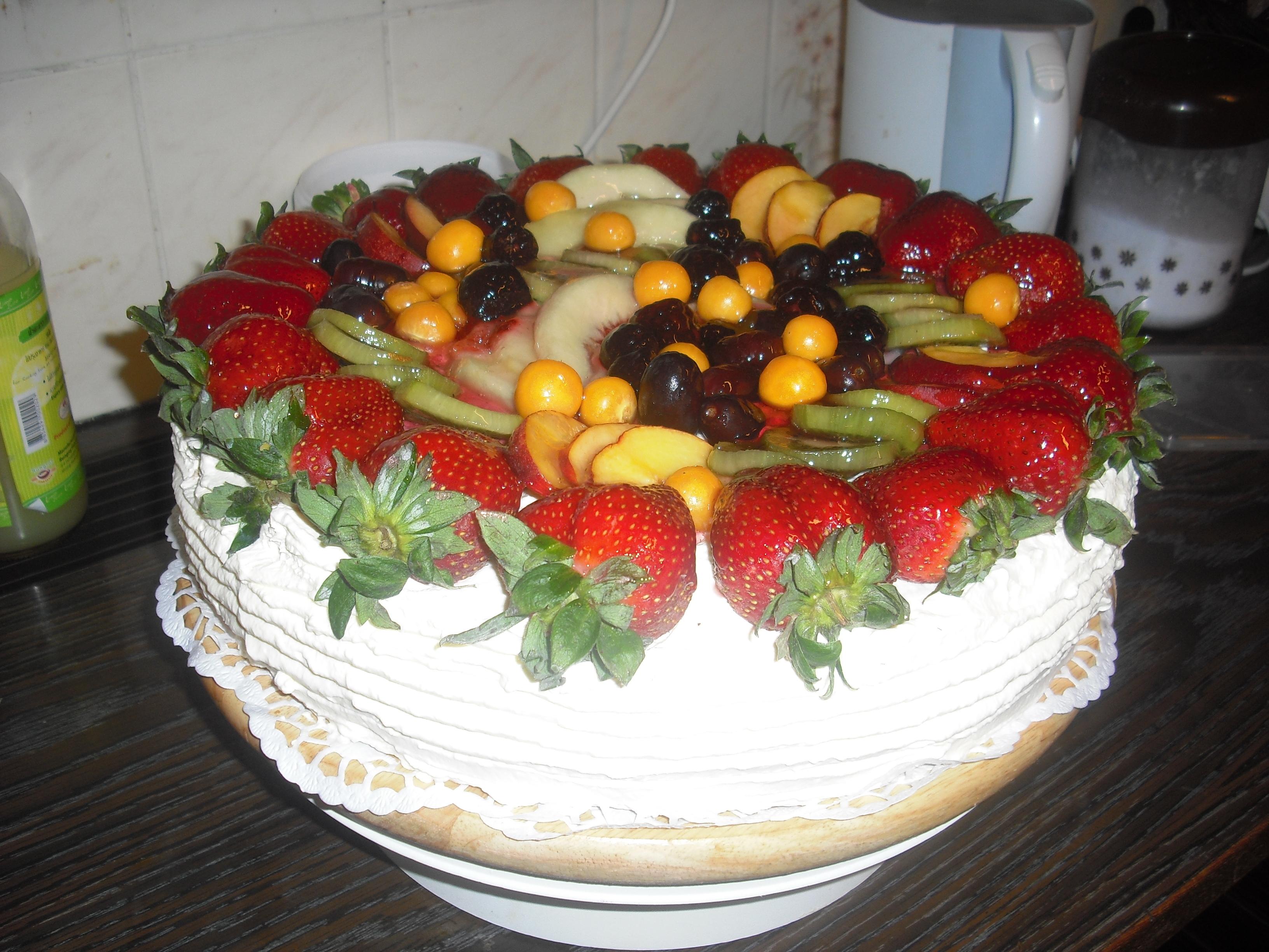frukttårta med choklad fyllning