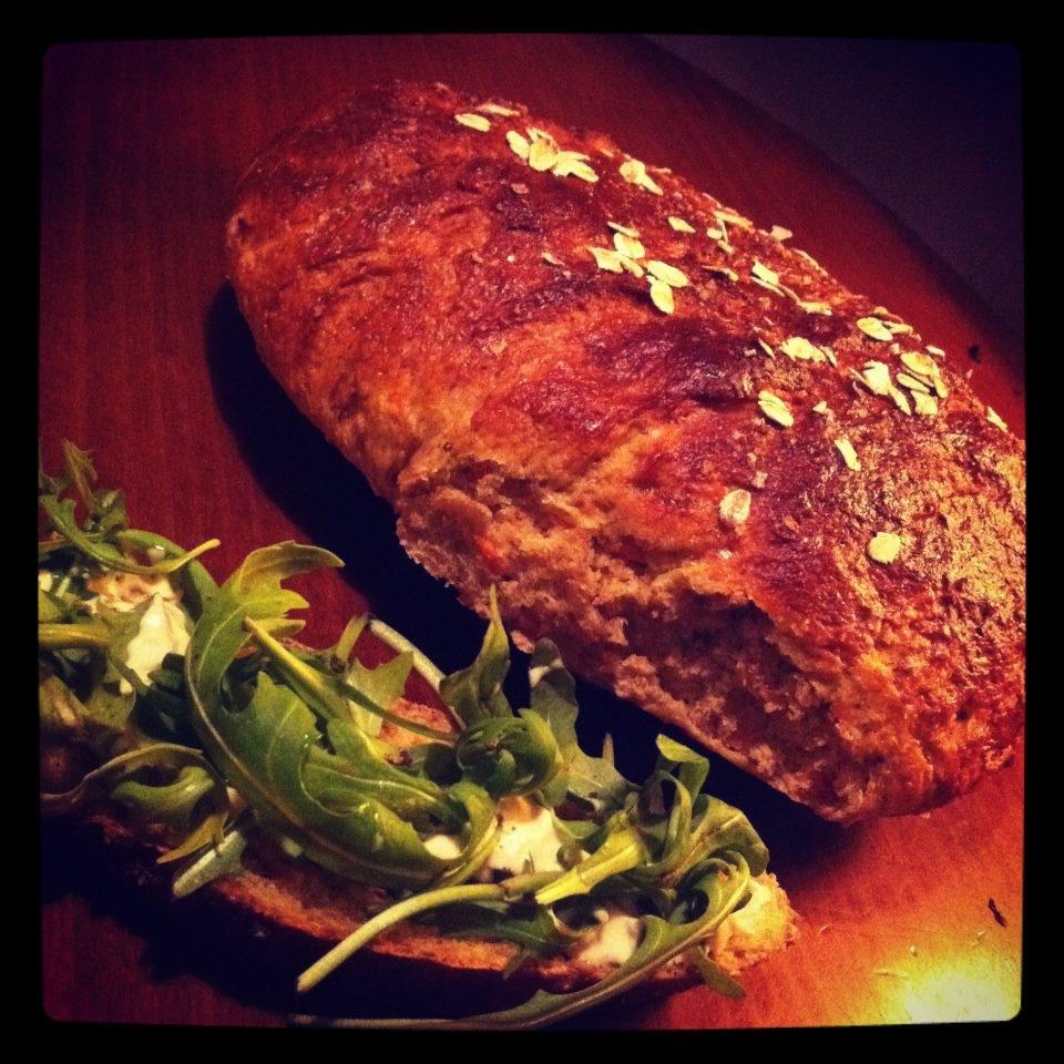 Grövre morotsbröd med flingsalt