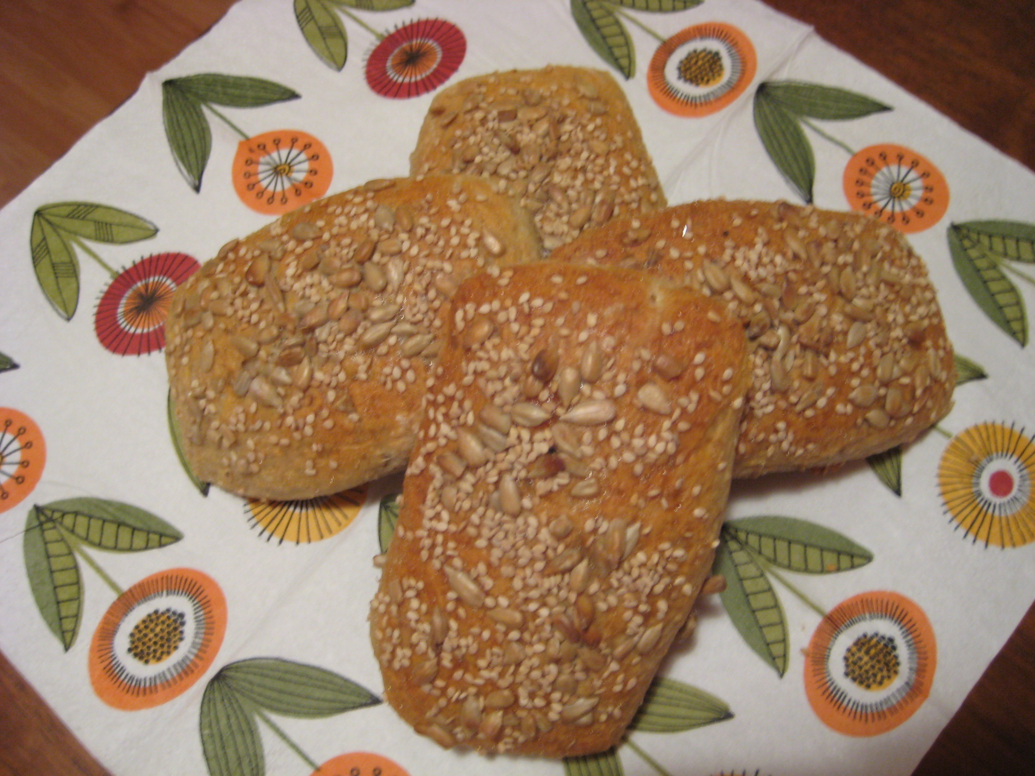 Havrebröd med solrosfrö och sesam
