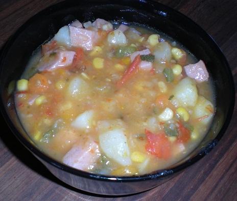 enkel korvgryta med potatis och morötter