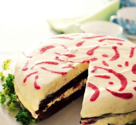glasstårta med hallon och vit choklad