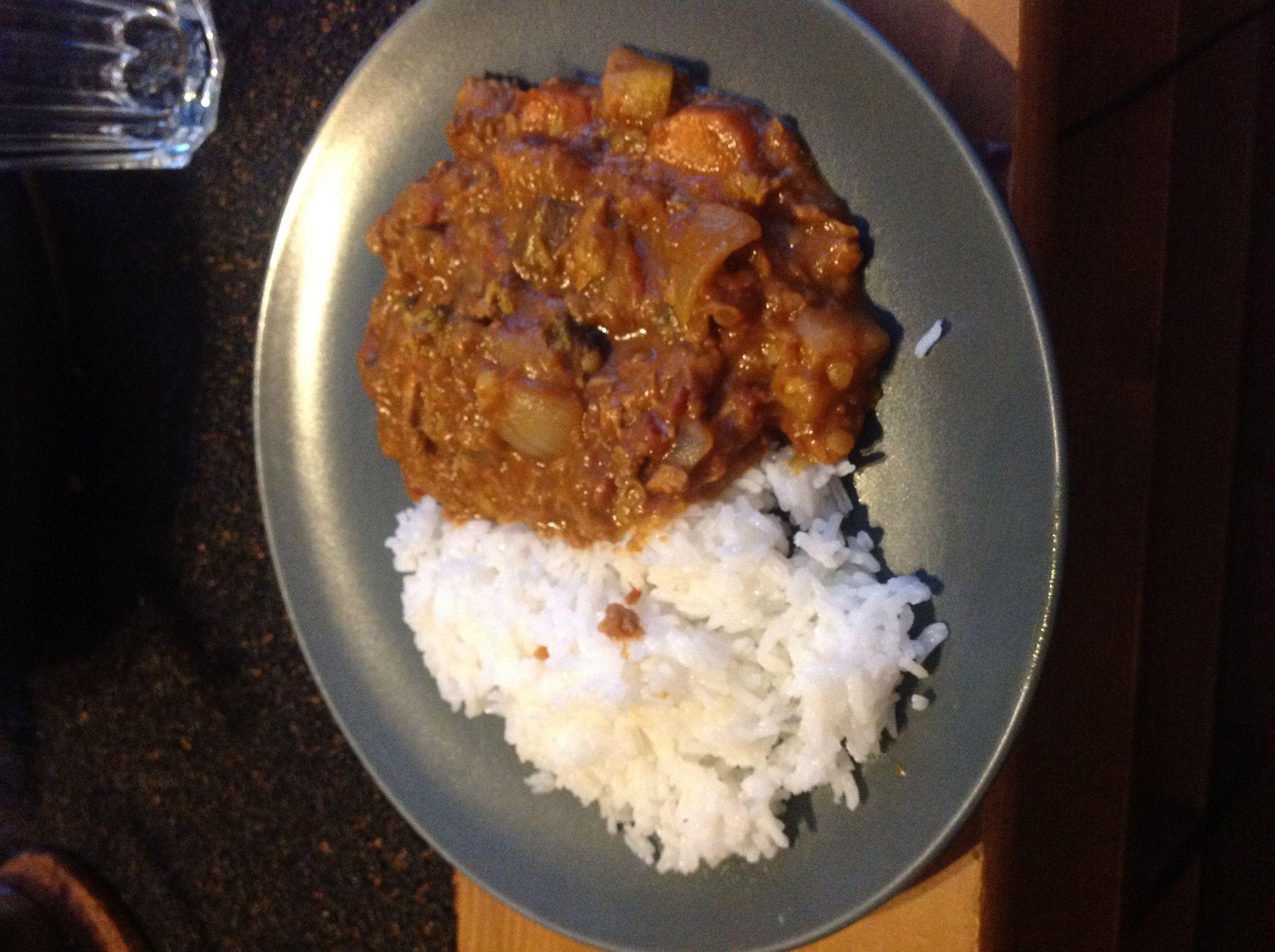 Indisk kyckling och grönsaksgryta