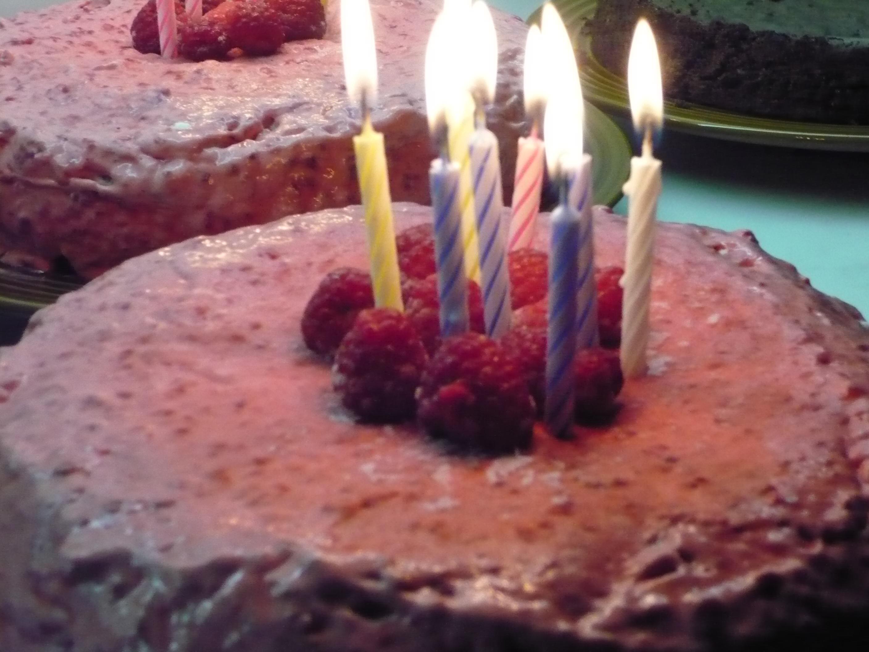 Hallonglasstårta