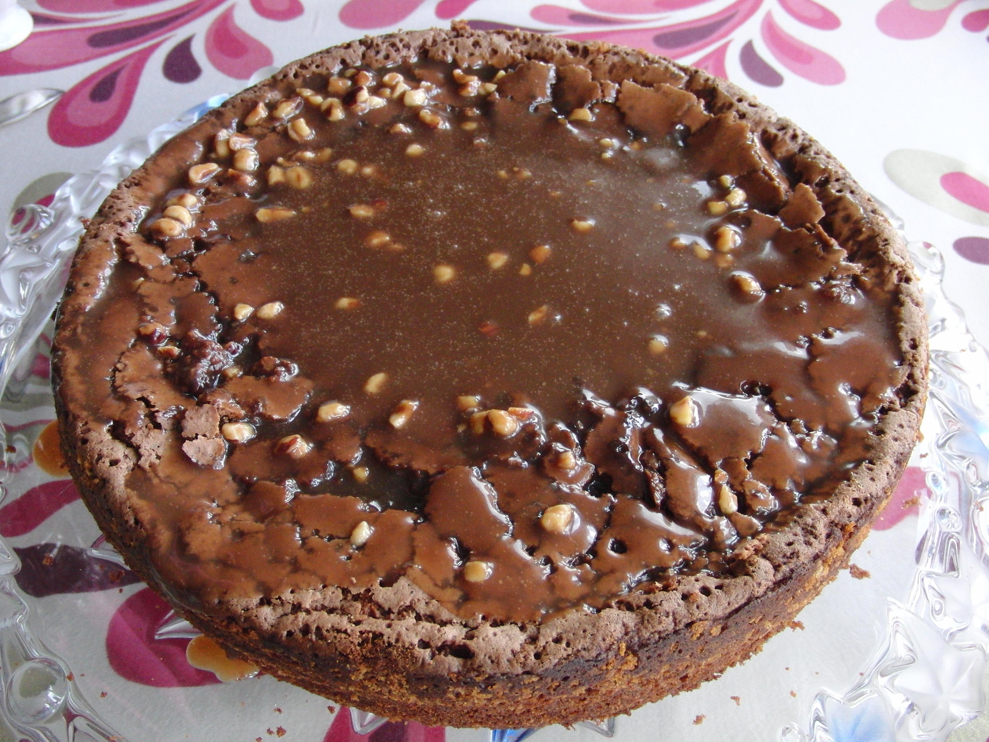 schweizernöt-tårta