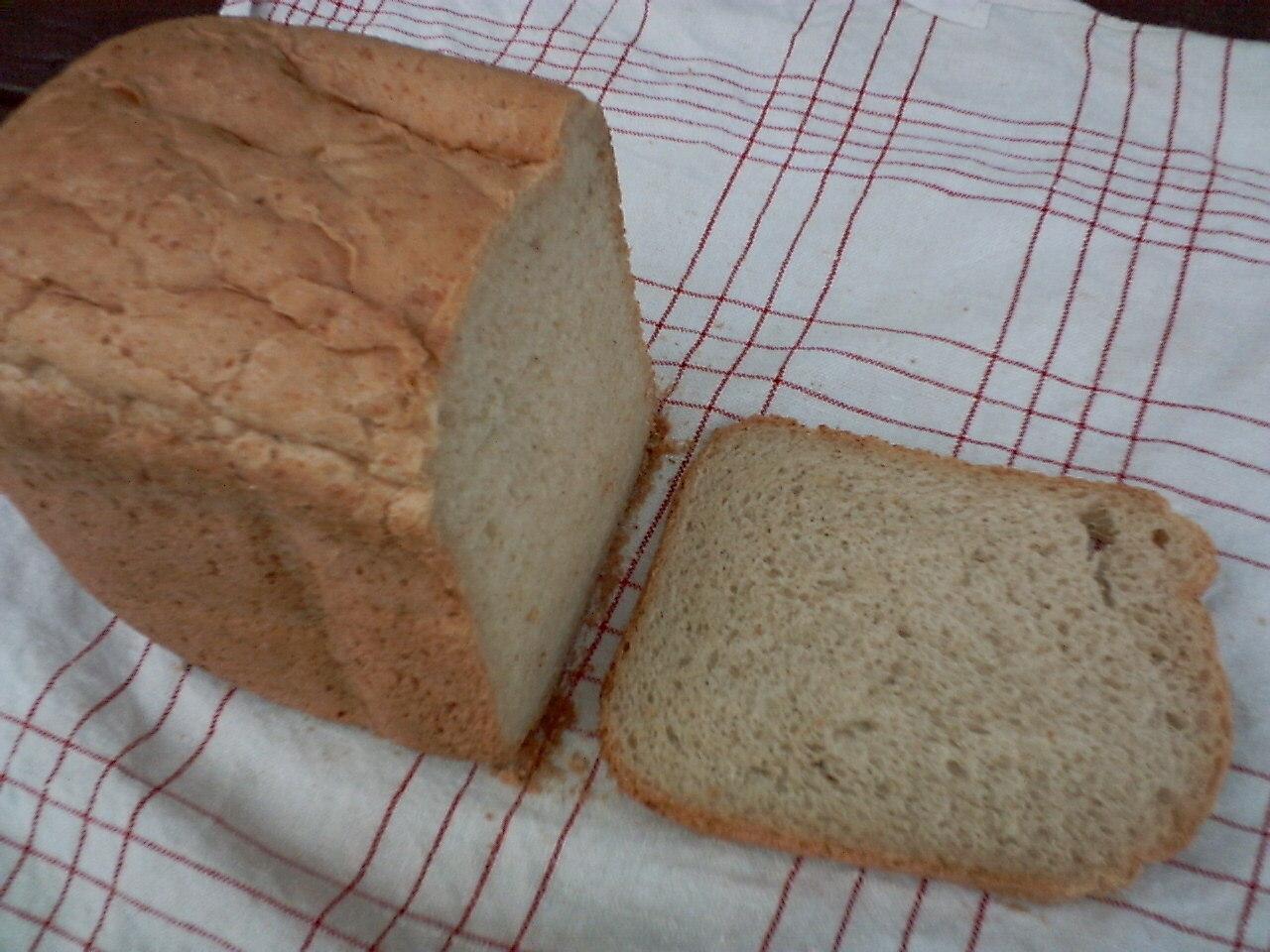 saftigt bakmaskin bröd