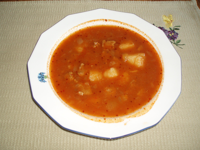 österrikisk gulaschsoppa
