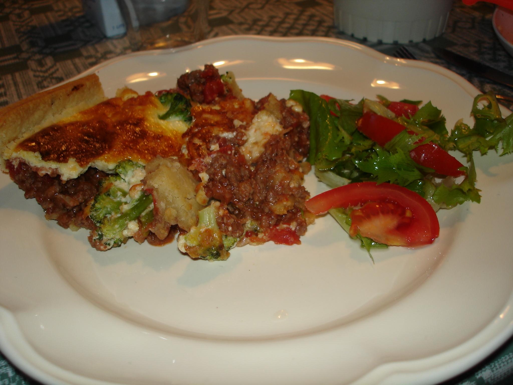 Köttfärspaj med broccoli
