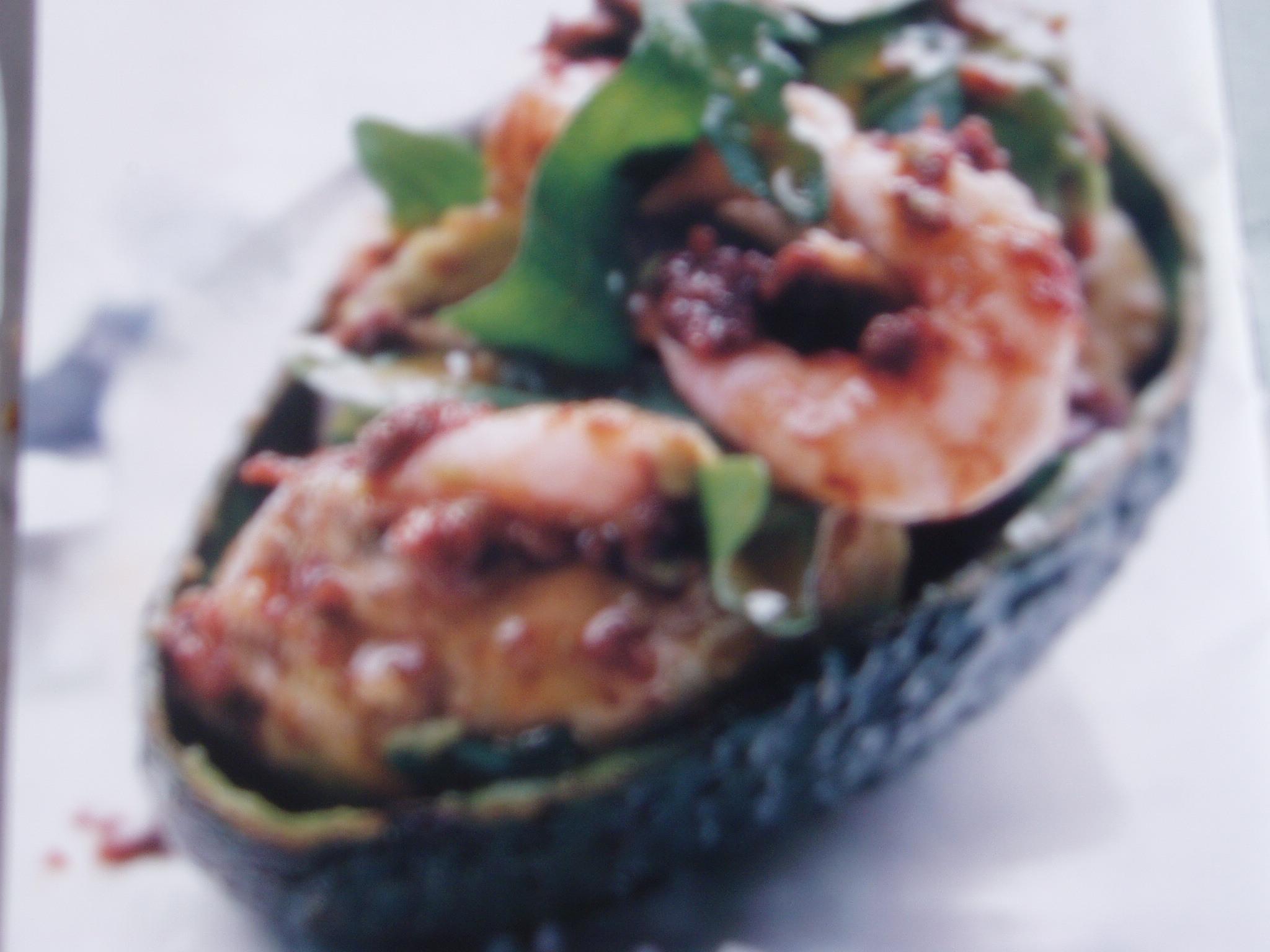 Avocadococktail med tomatvinägrett och räkor
