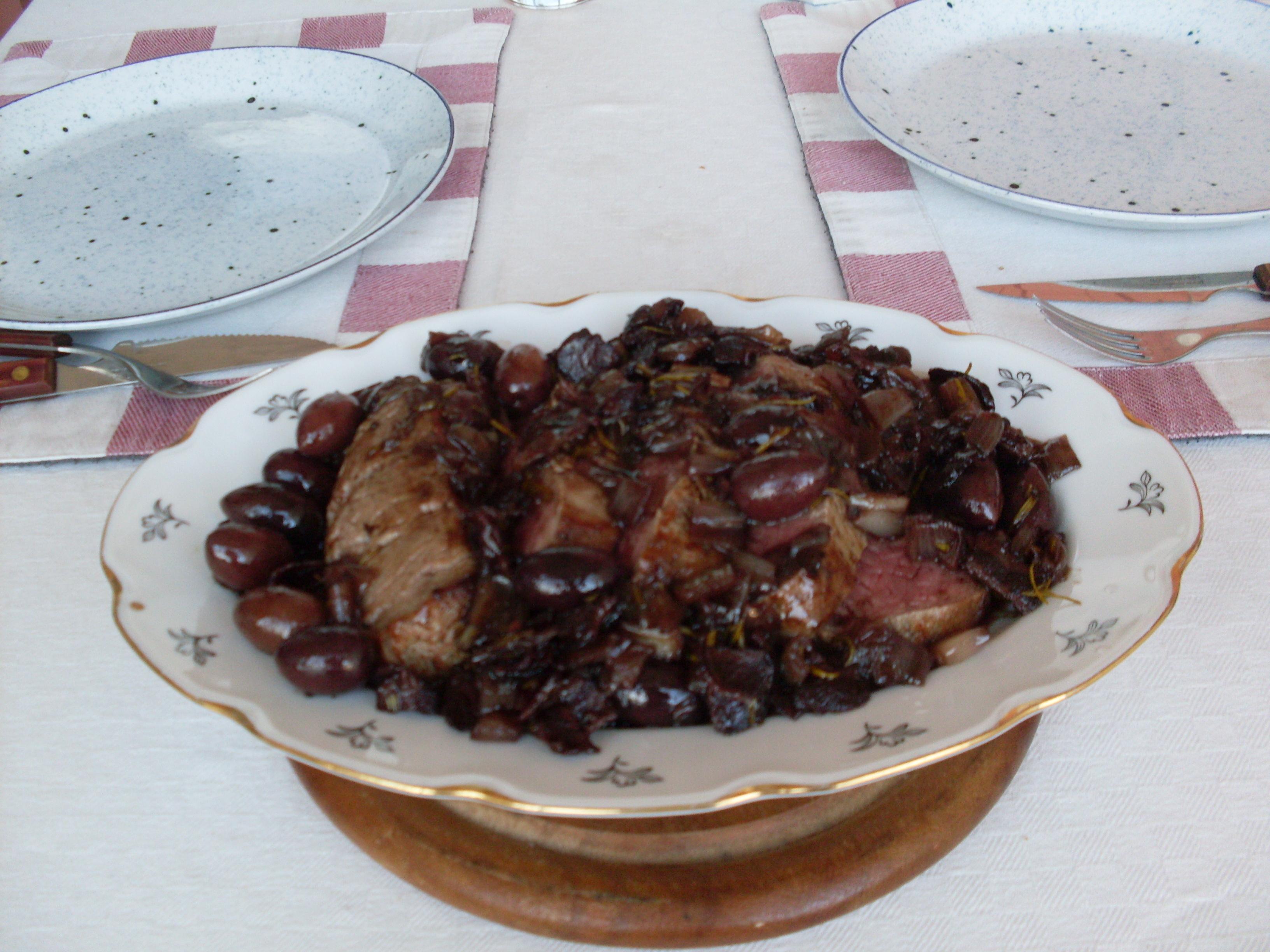 Oxfilé med rosmarin och oliver
