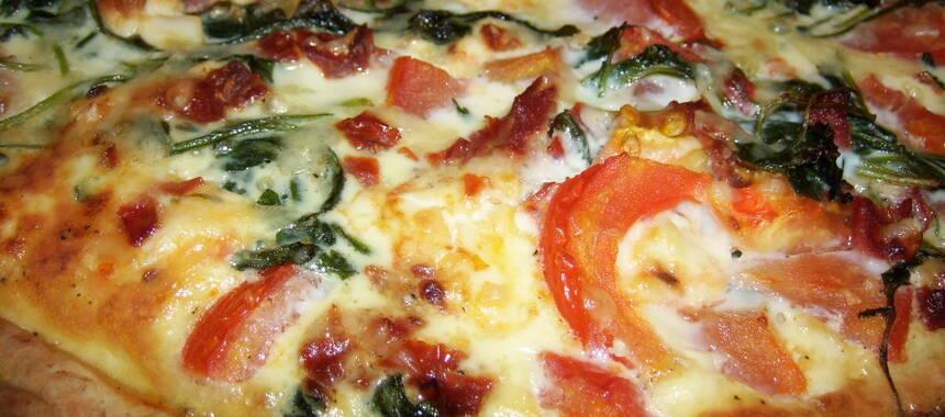 fetaostpaj med tomater
