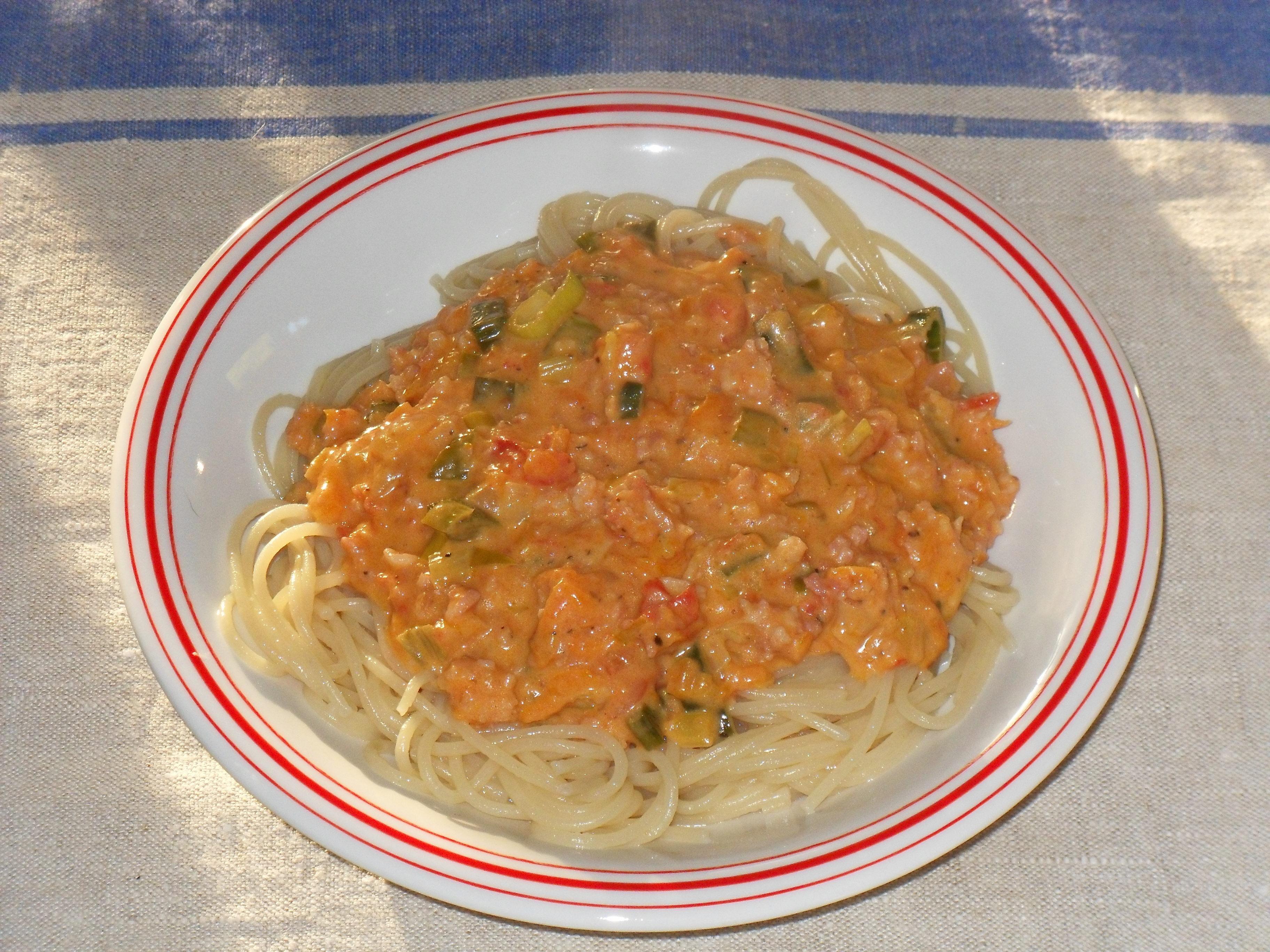 Lökens baconfärssås till pasta
