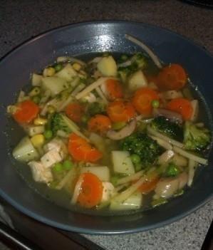 Kyckling o grönsakssoppa