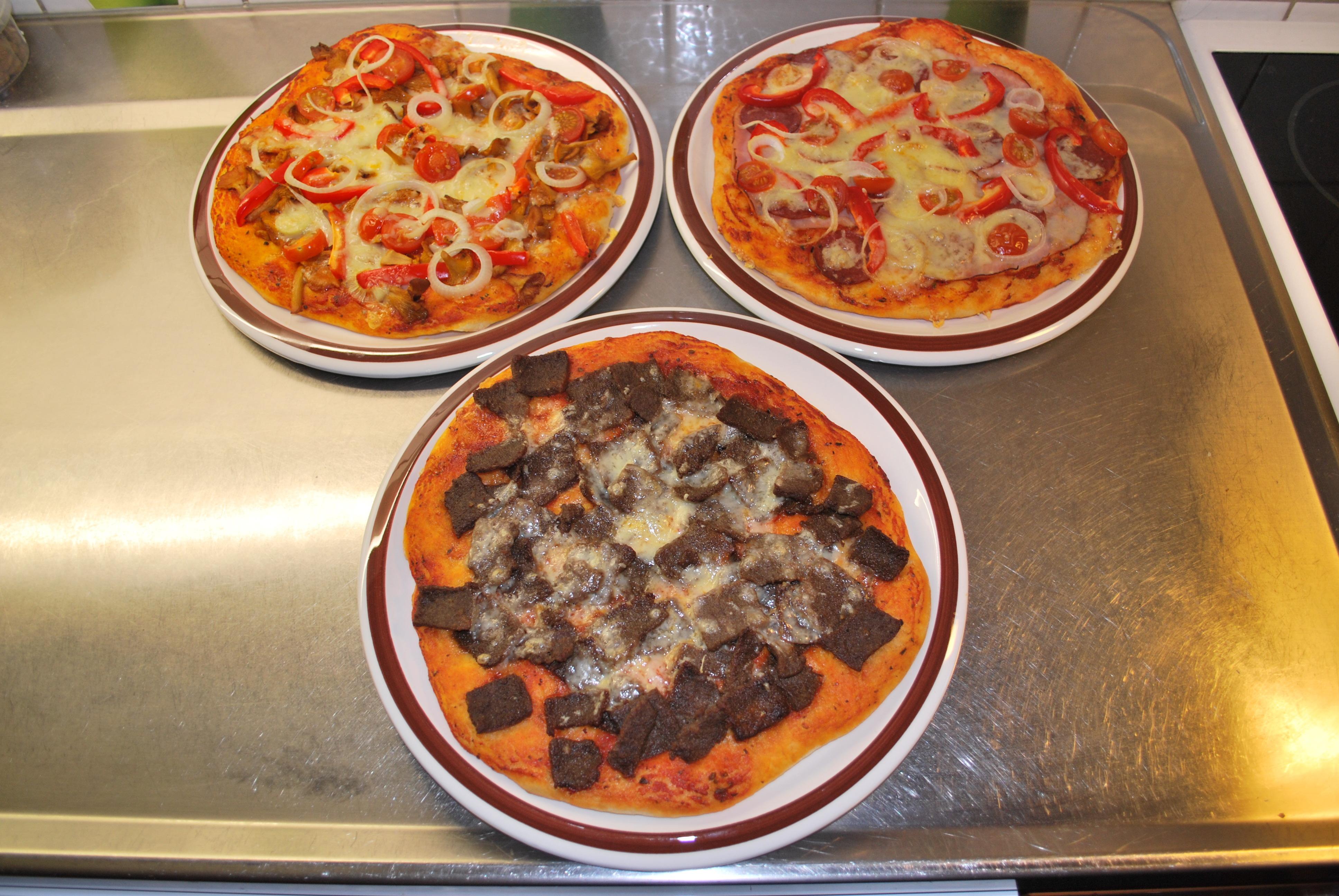 Pizza hemlagad ..